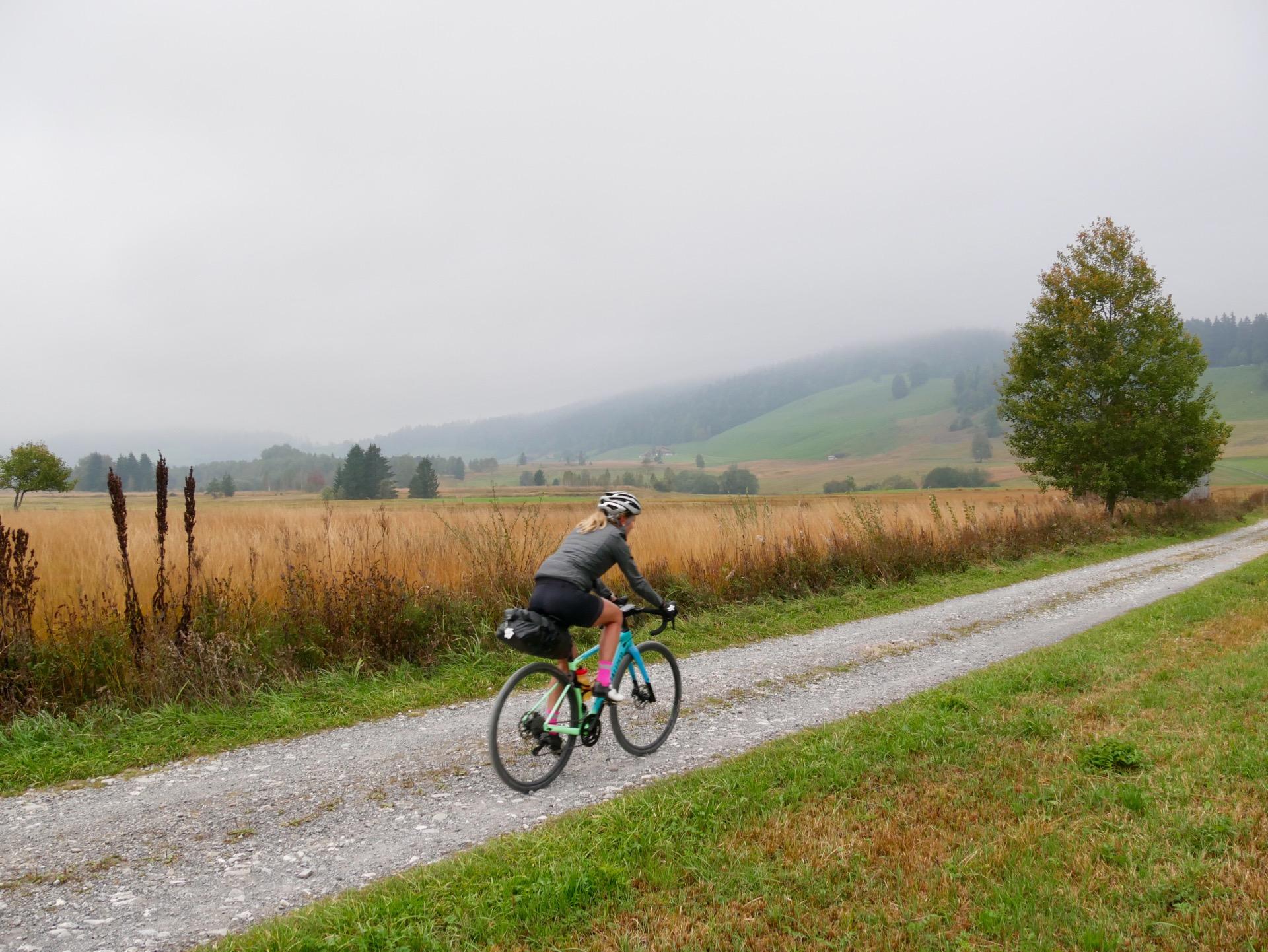 Innerschweiz Gravel Tour: Einsiedeln – Lucerne par aucun col…