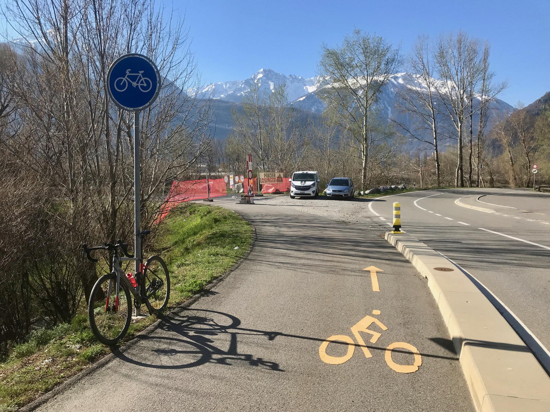 Les berges du Rhône sont une piste cyclable.