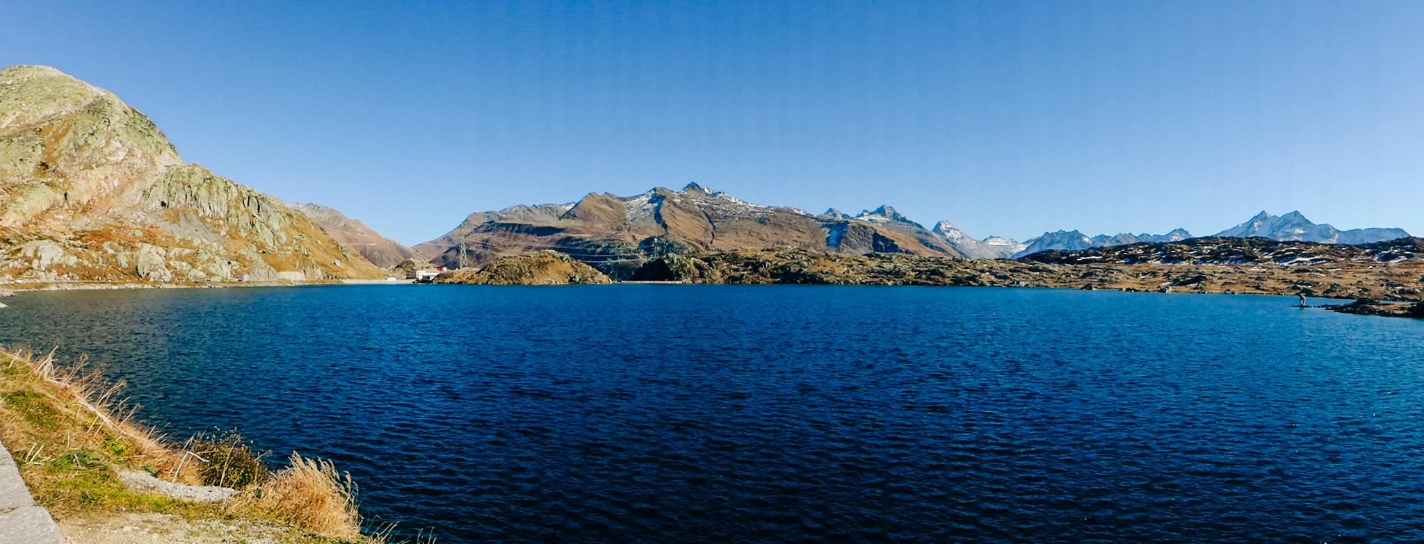 Le lac au col du Grimsel.